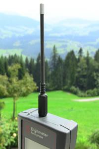 Sonda firmy Geovital do pomiaru pola elektromagnetycznego – pomiar pola elektrycznego